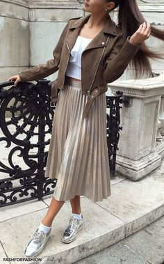 Ideas fashion classy casual chic street styles for 2019 Modest Fashion, Skirt Fashion, Hijab Fashion, Fashion Outfits, Fashion Ideas, Sneakers Fashion, Mode Outfits, Skirt Outfits, Casual Outfits