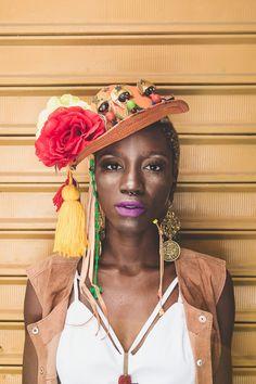 Chapéu Maria Bonita   Can Can Acessórios Easy Costumes, Carnival Costumes, Headdress, Headpiece, Serpentina, Avant Garde Hair, Festival Costumes, People Of The World, Sweet Style