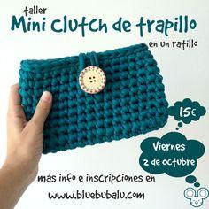 mini clutch de trapillo Crochet Purses, Crochet Hats, Cotton Cord, Finger Knitting, T Shirt Yarn, Knitted Bags, Cute Crochet, Handmade Bags, Clutch Purse