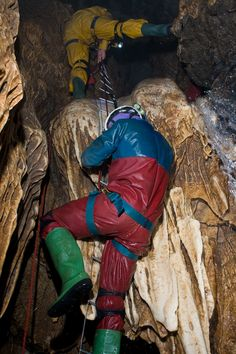 Swildons Hole Cave Diving, Winter Parka, Rain Wear, Extreme Sports, Climbing, Places To Go, Outdoors, Earth, Coats