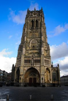 Basilica of Our Lady, Tongeren, Belgium. Places To See, Places Ive Been, Visit Belgium, Renaissance Architecture, Living In Europe, Luxembourg, Our Lady, European Travel, World Heritage Sites