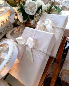 """🌸🌺Agapi.Wedding.Salon🌸🌺💏💞💒 on Instagram: """"#հարսանիք #աքսեսուարներ #ձևավորում #նվերներ #ծաղիկներ #դիզայն #ֆուրշետ #տորթեր #հրեշտակ #կոնֆետներ #հարսիշոր #հարսիսենյակ #մոմեր #բաժակներ…"""" Meat Burek Recipe, Torta Recipe, Wedding Wraps, Delicious Desserts, Gift Wrapping, Gifts, Gift Wrapping Paper, Presents, Wrapping Gifts"""