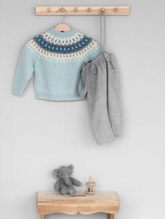 VARDEGENSER Garnpakker 3-36 mnd i Lamullgarn fra Rauma Garn Knitting Projects, Knitting Patterns, Diy And Crafts, Crafts For Kids, Fair Isles, Little My, Baby Knitting, New Baby Products, Cross Stitch