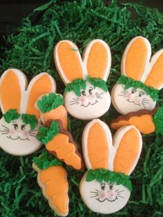Easter Bunnies with carrots ears cookies