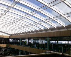 In opdracht van Dura Vermeer bouwde Bright Buildings onder #architectuur van Paul de Ruiter een #atrium van trippel koudgebogen #isolatieglas voor het nieuwe hoofdkantoor van Fluor.