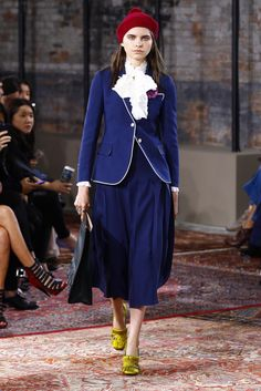 Gucci - Resort 2016 - Look 11 of 62?url=http://www.style.com/slideshows/fashion-shows/resort-2016/gucci/collection/11