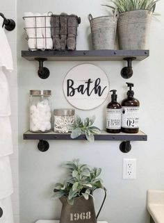 27 Best Rustic Farmhouse Bathroom Makeover Ideas * aux-pays-des-fleu… 27 besten rustikalen Bauernhaus Badezimmer Makeover Ideen * das Land-of-fleu … Small Bathroom Storage, Bathroom Design Small, Bathroom Shelves Over Toilet, Floating Shelves Bathroom, Bathroom Cabinets, Bathroom Vanities, Small Bathroom Decorating, Half Bath Decor, Apartment Bathroom Decorating
