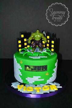 Hulk cake Superhero Birthday Cake, Superhero Party, Hulk Cakes, Bolo Frozen, Cake Decorating, Projects To Try, Bolo Fake, Baking, Eat