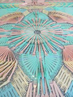 Mandalas made with pastel color plastic forks Design Room, Home Design, Textile Patterns, Print Patterns, Textiles, Textile Design, Fork Art, Contemporary Carpet, Plastic Forks