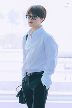 Anathema — Underrated Jimin airport looks. Bts Airport, Airport Look, Airport Style, Bts Bangtan Boy, Bts Jungkook, Taehyung, Park Ji Min, Boy Scouts, Mochi