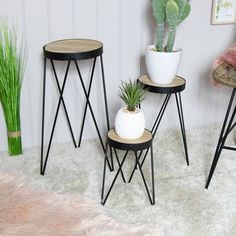 Set of 3 Wire Metal Side Tables / Plant Stands - Melody Maison® Side Table Decor, Table Decor Living Room, Living Room Plants, Metal Side Table, Table Decorations, Large Table, Small Tables, Side Tables, Table Vintage