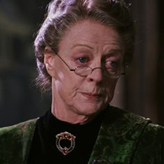 Harry Potter Icons, Harry Potter Characters, Harry Potter World, Maggie Smith, Downton Abbey, Professor, Hogwarts, Drawings, Fotografia