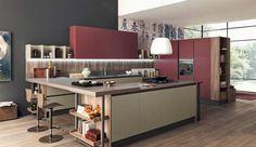 C'EST NOUVEAU. Lapeyre présente Ytrac, une cuisine lumineuse qui fait salon. Ses éléments se déclinent en bibliothèque. Plein feu sur une harmonie réussie.