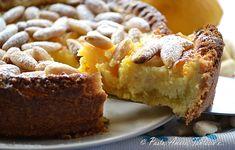Ciao a tutti, vi propongo la torta rinascimentale con crema bisbetica che richiama alla memoria il film la Migliore Offerta. Una torta buonissima con crema