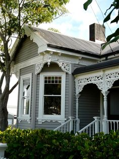 New Zealand Villa Exterior Paint Cottage Exterior, House Paint Exterior, Exterior House Colors, Exterior Trim, Bungalow Exterior, Exterior Shutters, Auckland, Grey Houses, Old Houses