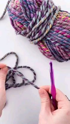 Easy Crochet Stitches, Crochet Stitches For Beginners, Beginner Crochet Projects, Crochet Crafts, Yarn Crafts, Sewing Crafts, Knit Crochet, Crotchet, Loom Knitting