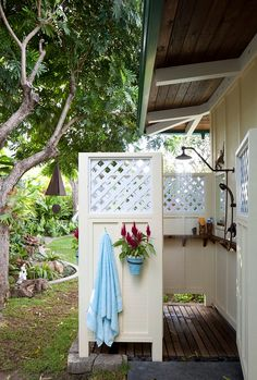 Shelf in the Outdoor shower. Outdoor shower measures roughly 6 feet x 5 feet. Outdoor Spaces, Outdoor Living, Outdoor Decor, Rustic Outdoor, Outdoor Bars, Rustic Fence, Pallet Fence, Outdoor Ideas, Outside Showers