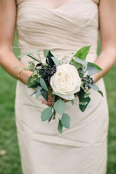 Single Rose Bridesmaid Bouquet is part of Small wedding bouquets - This simple, elegant bouquet is made from a single cabbage rose, with eucalyptus and wild weed to accent It's perfect for bridesmaids and gives a romantic touch Simple Bridesmaid Bouquets, Small Wedding Bouquets, Fake Wedding Flowers, Hydrangea Bridesmaid Bouquet, Budget Wedding Flowers, Inexpensive Wedding Flowers, Bridal Flowers, Wedding Bouquets With Hydrangeas, Southern Wedding Flowers