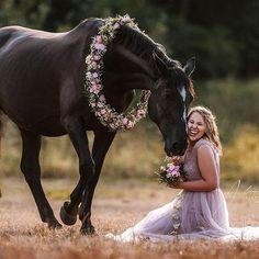 Prinzessinenmoment!! 🙆♀️❤️🙏 CASI & FABI @_cascaja_ #kundenshooting #alexandraevangphotographie  #pferdefotografie #pferdefotografin #nikondeutschland #lifeofadventure #pferdeschoenheiten #horsesofinstagram #fineartfotografie #pferdeliebe #europaspferde #duesseldorfphotographer #equine #horsephotographer #equineaccount #equinesofinstagram #femalephotographer    #Regram via @www.instagram.com/p/BqUH4-AF3sx/