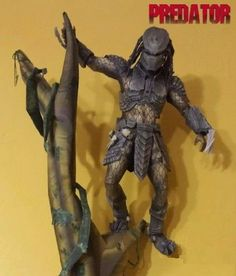 Papermau: Predator Paper Model With Hanging Stand - by Stange1337
