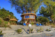Photos: Double-decker Florida treehouse