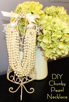 DIY Chunky Pearl Necklace - create a Modern Chunky Pearl Necklace from a long 60 inch faux pearl necklace. And for more great DIY Fashion ideas follow us at http://www.pinterest.com/2SistersCraft/