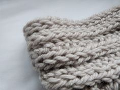 diy finger knitting | Trends With Benefits: No Needles Knitting: DIY Snood