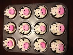 Cow cupcakes - farm themed birthday party