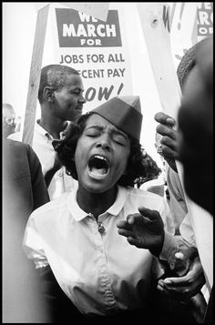 Leonard Freed (October 1929 in Brooklyn, New York – November 2006 in Garrison, New York) was a documentary photojournalist and longtime Magnum Photography member. Martin Luther King, Memphis, Leonard Freed, Georgia, Atlanta, By Any Means Necessary, Civil Rights Movement, Magnum Photos, Cultura Pop