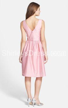 Short Sleeveless V-neck A-line Satin Bridesmaid Dress With Sash and Pockets