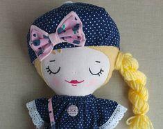 Sophie, poupée de chiffon, tissu, poupée unique, personnalisée poupée, poupée fait main, poupée feutrine, poupée d'art,