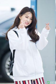 Twice - Tzuyu Nayeon, K Pop, Kpop Girl Groups, Kpop Girls, Snsd, Tzuyu And Sana, Asian Woman, Asian Girl, Twice Tzuyu