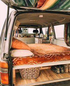 Van Conversion Interior, Camper Van Conversion Diy, Van Conversion Build, Sprinter Van Conversion, Vans Vintage, Mini Van, Vw Caravan, Vw Camping, Camping Set Up