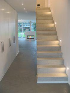 Schody, betonowe schody, nowoczesne schody, klatka schodowa. Zobacz więcej na: https://www.homify.pl/katalogi-inspiracji/21652/homify-360-dom-jednorodzinny-w-kolonii