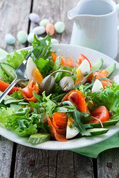 Kylmäsavulohisalaatti | K-ruoka #pääsiäinen