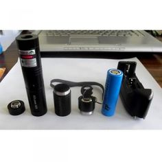 High power 3000mw 532nm groene laser pointer projecteert onzichtbare infrarode laserstraal met het blote oog , is een zeer nuttig instrument in de industrie en de wetenschap van toepassing http://www.laserskopen.com/groene-laser-pointer/p-1215.html http://www.laserskopen.com/1000mw-meer-laser-pointer/p-1285.html