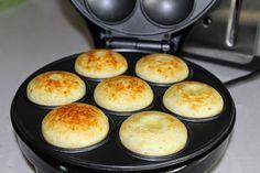 COZINHA DA MONICA: Como fazer pão de queijo na máquina de fazer cupcakes.