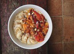 Pudding d'avoine à la pêche, abricot et banane