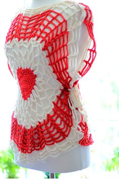 Red Heart Lighthearted Crochet Tunic. Free crochet pattern from Red Heart.My project and photos: http://mademoisellemermaid.blogspot.com/2015/05/red-heart-lighthearted-tunic.html