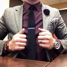 Polka dot shirt with suit jacket with a nice cute lapel pin flower ⋆ Men's Fashion Blog - TheUnstitchd.com