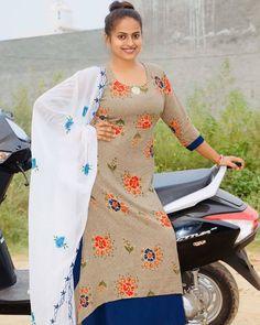 Beautiful Girl Indian, Most Beautiful Indian Actress, Punjabi Dress Design, Punjabi Suits Party Wear, Patiala Suit Designs, Indian Natural Beauty, Desi Girl Image, Tamil Girls, Stylish Girl Pic