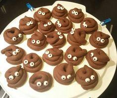 Chocoladedrolletjes met oogjes (traktatie Luuk) Birthday Treats, Birthday Favors, Sweet Desserts, Holiday Desserts, Creative Food, Gingerbread Cookies, Kids Meals, Food To Make, Good Food