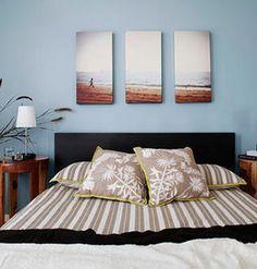 """Ideias criativas de como usar fotos na decoração da casa. Fotos de família, de viagens, fotografias conceituais, fine art... O importante é deixá-las lindas, leves e soltas, ou seja, à mostra.<br><br>Veja aqui<a href=""""http://bbel.com.br/decoracao/post/bbel-viu-e-gostou/ideias-de-decoracao-com-fotos"""">26 ideias de decoração com fotos na parede</a>."""