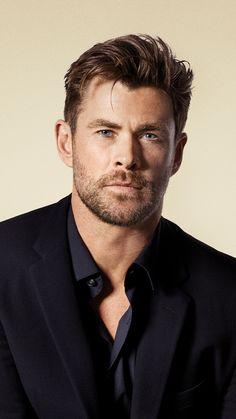 Chris Hemsworth Hair, Chris Hemsworth Shirtless, Fine Hair Men, Hemsworth Brothers, Mode Man, Faded Hair, Man Thing Marvel, Marvel Actors, Hollywood Actor
