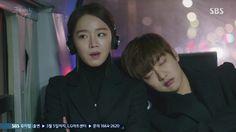 The Legend of the Blue Sea is a South Korean television series starring Jun . Shin Won-ho as Tae-oh. A genius hacker. Legend Of The Blue Sea Kdrama, Legend Of Blue Sea, Shin Won Ho Cute, Hipster Boots, Tae Oh, My Love From The Star, Korean Star, Drama Korea, Korean Actors