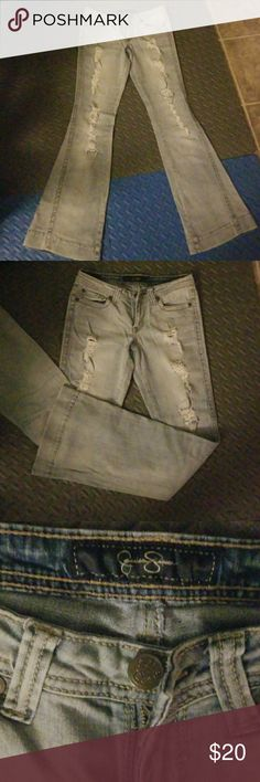 Women's jeans Light rinse, distressed, stretch, wide leg jeans. Very comfy. Jessica Simpson Jeans Flare & Wide Leg