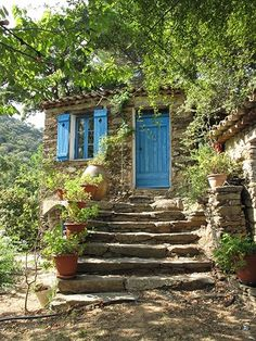 Hamlet La Garde Freinet * St Tropez * South of France Beautiful Homes, Beautiful Places, Mountain Homes, Stone Houses, South Of France, Stairways, French Country, Wine Country, Around The Worlds