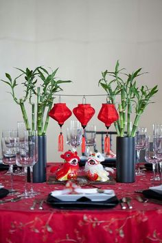Traditional chinese wedding decor so gorgeous cool asian stuff chinese new years lucky dragon as a centerpiece junglespirit Choice Image