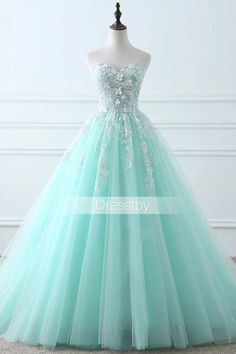 Green Sweetheart tulle lace long prom dress, evening dress, Customized service and Rush order are available Pretty Prom Dresses, Prom Dresses For Teens, Elegant Dresses, Beautiful Dresses, Ball Gown Dresses, 15 Dresses, Evening Dresses, Fashion Dresses, Formal Dresses