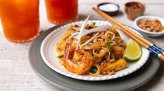 Pad Thai. Video tutorial of how to make Pad Thai.  Please visit www.RachelCooksThai.com for complete story and recipe.